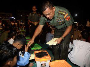 Panglima TNI Gelar Buka Bersama Anak Yatim
