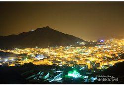 Makkah yang Cantik di Malam Hari dari Ketinggian