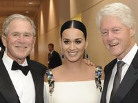 Katy Perry Eksis Bareng George W. Bush dan Bill Clinton