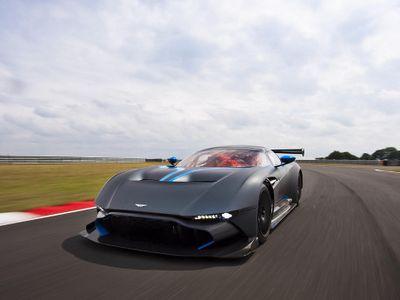 Aston Martin Rencanakan Vulcan Versi Jalan Umum