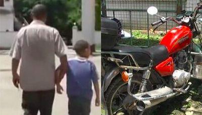 Walah, Motor Ditilang Pria Ini Jaminkan Anak ke Kantor Polisi