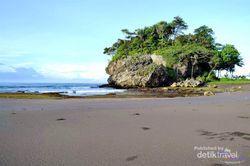 Pantai Madasari, Satu Lagi yang Indah di Pangandaran