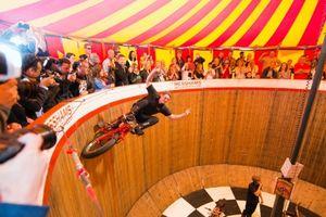 Taman Rekreasi Ala Pasar Malam di Inggris Kembali Dibuka