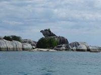 Mau Island Hopping yang Seru, Belitung Tempatnya!