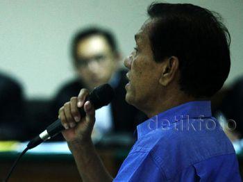 Adriansyah Bersaksi untuk Andrew Hidayat