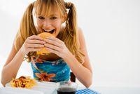 Ini Kira-kira yang Akan Terjadi pada Tubuh Jika Terus Menerus Konsumsi Junk Food! (2)