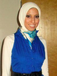 Cara Memilih Jilbab yang Sesuai dengan Warna Kulit