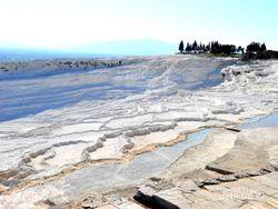 Kolam Air Panas Turki, Seperti di Planet Lain!