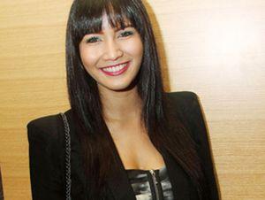 Diminta Netizen Berhijab, Apa Tanggapan Aulia Sarah?