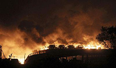 Ngeri, Ledakan Besar di Pelabuhan China Hanguskan Ribuan Mobil