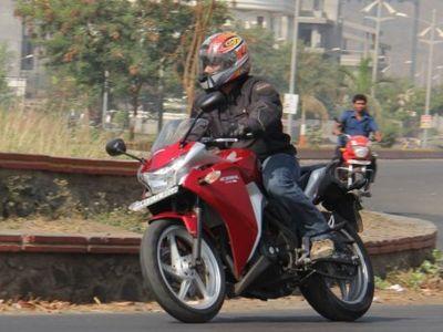 Panel Saklar Bermasalah, Honda India Tarik CBR150R dan CBR250R