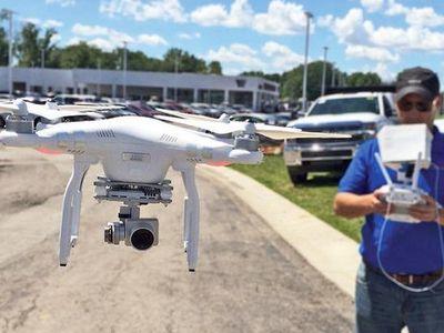 Diler Jualan Mobil Pakai Drone