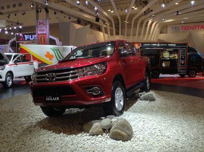 Buktikan Ketangguhan Hilux Terbaru, Toyota Ajak Test Drive di Arena Off Road