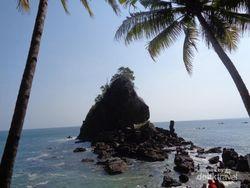 Deretan Pantai Cantik di Kebumen, Tak Kalah dengan Gunungkidul