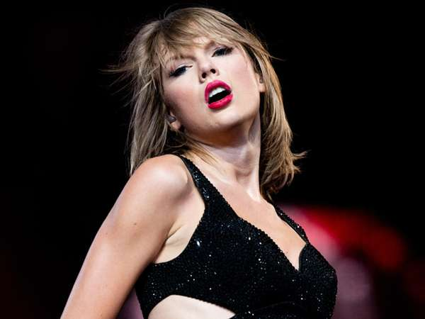 Keseksian Taylor Swift di Konser '1989' Los Angeles