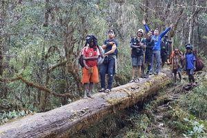 Penampakan Desa Terjauh di Kaki Carstensz