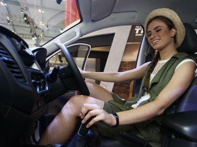 Rayuan Nakal Pengunjung, Dibelikan Mobil Sampai Diboyong ke Kota Lain