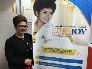 Masih Sendiri, Joy Tobing Berbagi Perhatian dengan Pasien Rumah Sakit