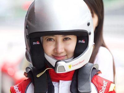Jing Shi, Satu-satunya Pebalap Wanita di Ferrari Challenge