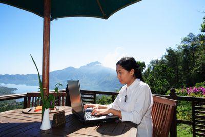 Menginap di Hotel, Pilih WiFi Gratis Atau Sarapan?