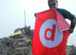 Foto-foto Perjuangan Meraih Puncak Carstensz Papua