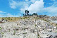 Liburan Beda di Buton, Main ke Tambang Aspal!