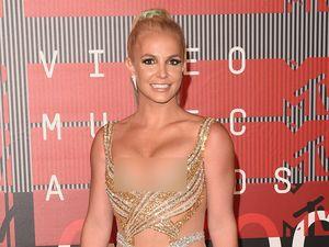 Britney Spears Nggak Kalah Seksi dari Nicki Minaj di MTV VMA