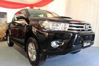 Kupas Tuntas Perbedaan Toyota Hilux Lama dengan Hilux Baru