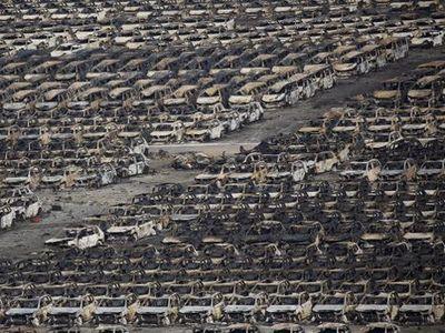 Setelah Ledakan Besar, Pabrikan Mobil Mulai Beraktivitas di Tianjin, China