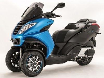 Berbalut Warna Biru dan Hitam, Skuter Peugeot Ini Tampil Lebih Segar