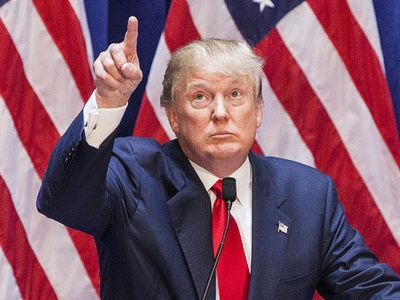 Donald Trump Sindir Ford Karena Bangun Pabrik di Luar Amerika