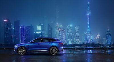 SUV Pertama Jaguar Mulai Menggoda