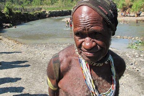 Hari ke-1: Desa Sugapa & Kepala Suku Moni dengan 22 Istri