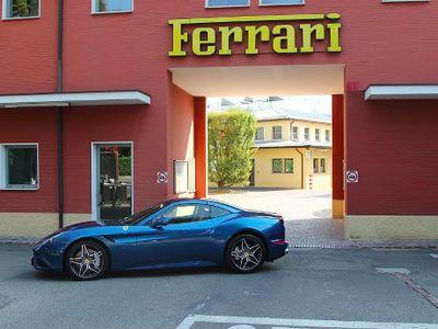 Mengapa Tak Memproduksi Mobil di Luar Negeri, Ferrari?