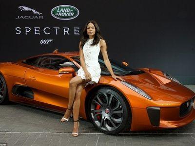 Demi Mobil James Bond, Aktris Holywood Ini Rela Geser Jadwal Acara