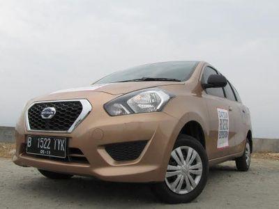 Adu Gengsi, Pedagang di Pasar Tradisional pun Beli Mobil LCGC
