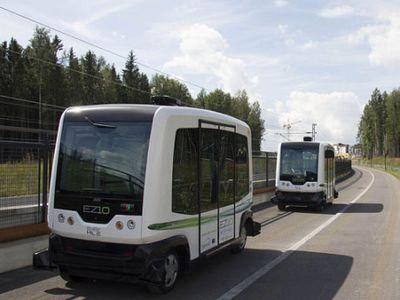 November, Minibus Tanpa Sopir Ini Dioperasikan di Jalan Raya Belanda