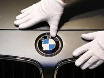 BMW Tegaskan Tidak Ada Proyek Pengembangan Mobil Super dengan McLaren