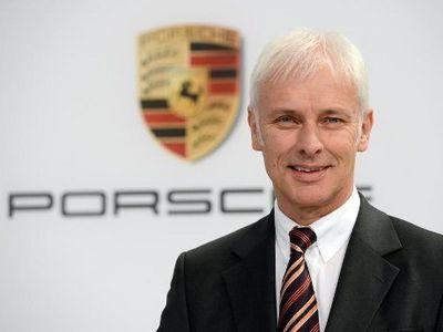 Bos Porsche Resmi Pimpin VW