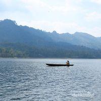 Rekreasi Asyik di Waduk Selorejo, Malang