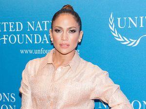 Mantan Rekan Bisnis Berencana Rilis Video Seks J.Lo dan Suami Pertama