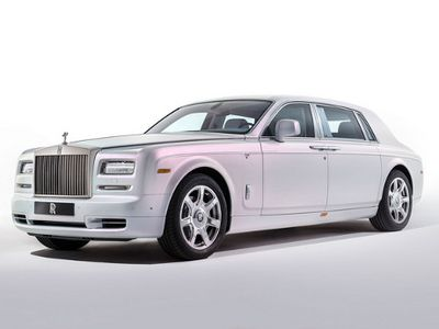 Rolls-Royce Phantom Makin Ringan?