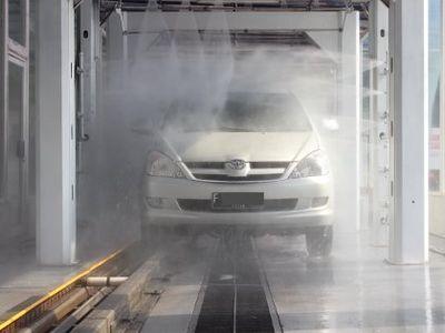 Musim Kemarau, Tukang Cuci Mobil Ada yang Tutup