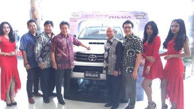 Toyota Luncurkan Hilux di Sumatera