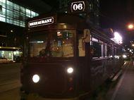 Makan Malam Mewah di Atas Trem Tua Melbourne