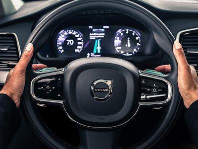 Software Tambahan dari Volvo Memungkinkan Mobil Berjalan Sendiri