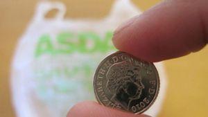 Tas Plastik di Inggris Tak Lagi Gratis