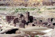 Desa Kuno di Dasar Danau Italia, Bisa Muncul di Waktu Tertentu