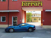 Menjelajahi Italia dengan Versi Terbaru Ferrari California T