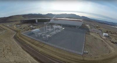 Pabrik Gigafactory Tesla Telan Dana Rp 67 Triliun
